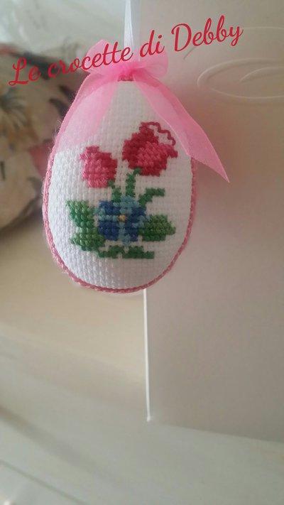 Uova di Pasqua ricamate