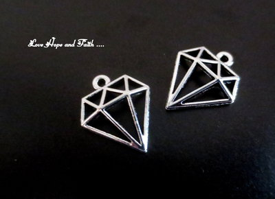 "Charm ""Diamante"" color argento (19X10mm) (cod. 62813)"