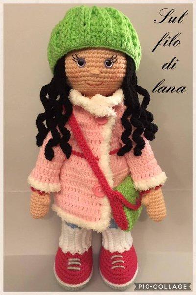 Bambola Molly con cappotto