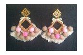 orecchini  metallo swarovki passamaneria pon pon rosa e beje