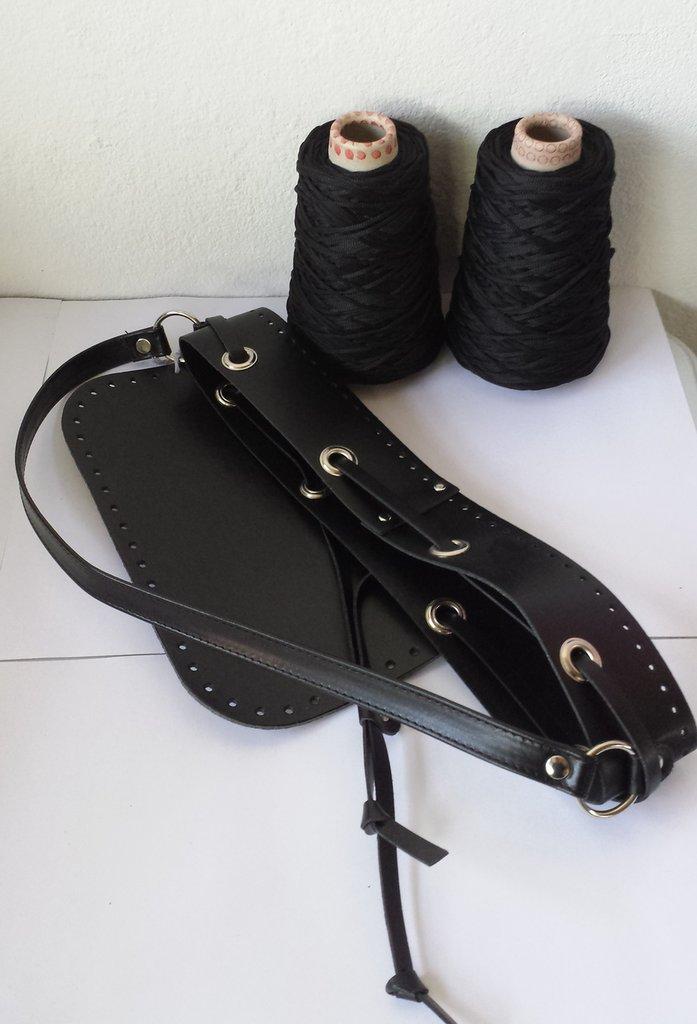 Kit sechiello nero con cordino