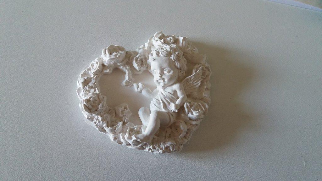 Bomboniera cuore con angelo in gesso ceramico
