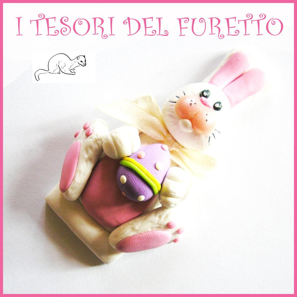 """Spilla Pasqua """" Coniglietto """" primavera con uovo Fimo cernit segnaposto personalizzabile con nome idea regalo Kawaii"""