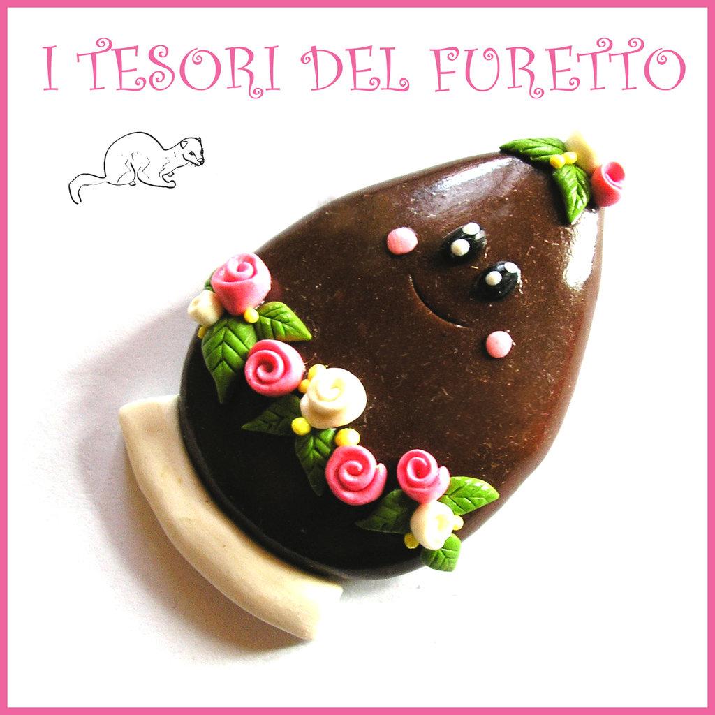 """Spilla Pasqua """" Uovo Pasqua fondente cioccolato """" primavera con uovo Fimo cernit segnaposto personalizzabile con nome idea regalo Kawaii"""