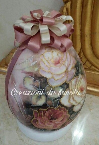 Uova di pasqua decorative con rose 3d