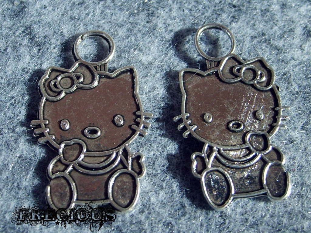 1 pz charms Hello Kitty