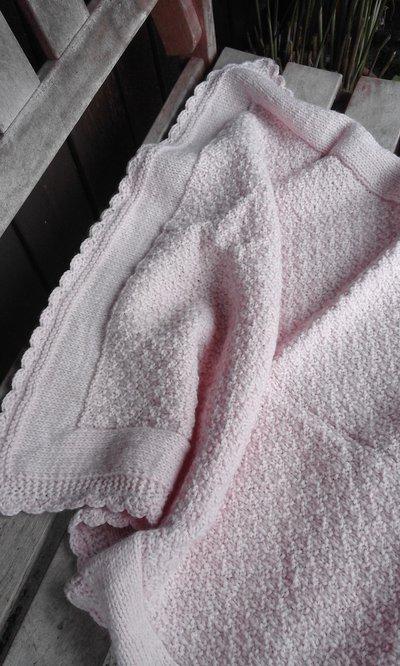 copertina baby misto lana nuova fatta a mano rosa