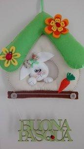 Decorazione- Fuoriporta in pannolenci con coniglietto per Pasqua