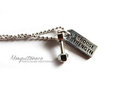 Collana Fitness con pesi dumbbell con ciondolo I Choose Strenght in metallo colore argento
