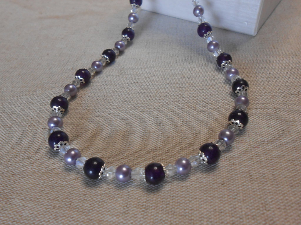 Collana corta con ematite e perle viola idea regalo for Regalo oggetti usati