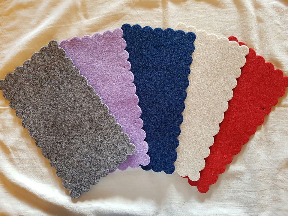 Targa fustellata vari colori