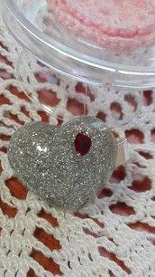 Anello cuore in resina