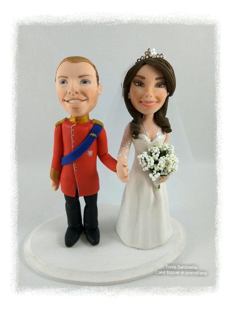 Cake topper sposi mignon caricature in porcellana