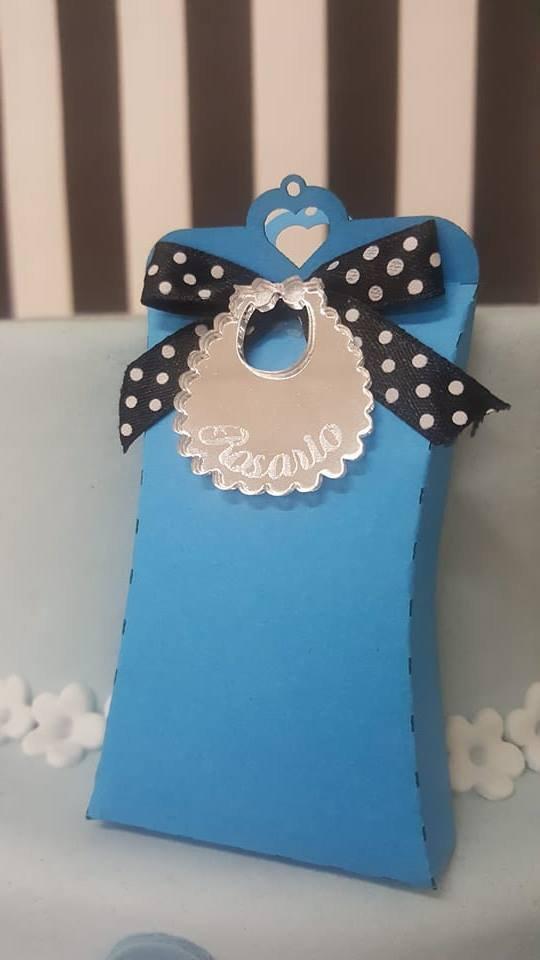 scatolina con  bavaglino - bomboniera