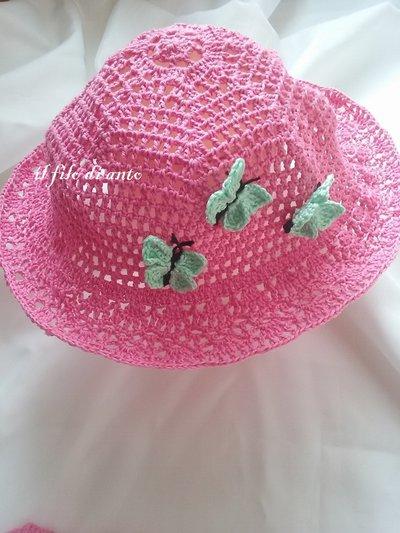 Cappello in cotone con farfalle