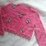 Giacchino / coprispalle / maglia/  cardigan in cotone  con farfalline