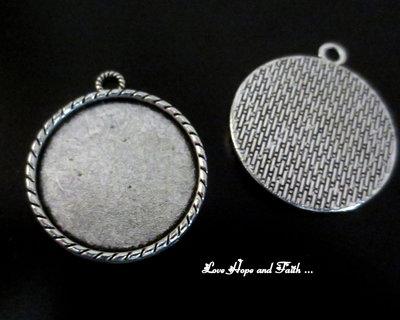 NOVITA'! Base cabochon color argento (38x33x3mm) (cod.50176C)