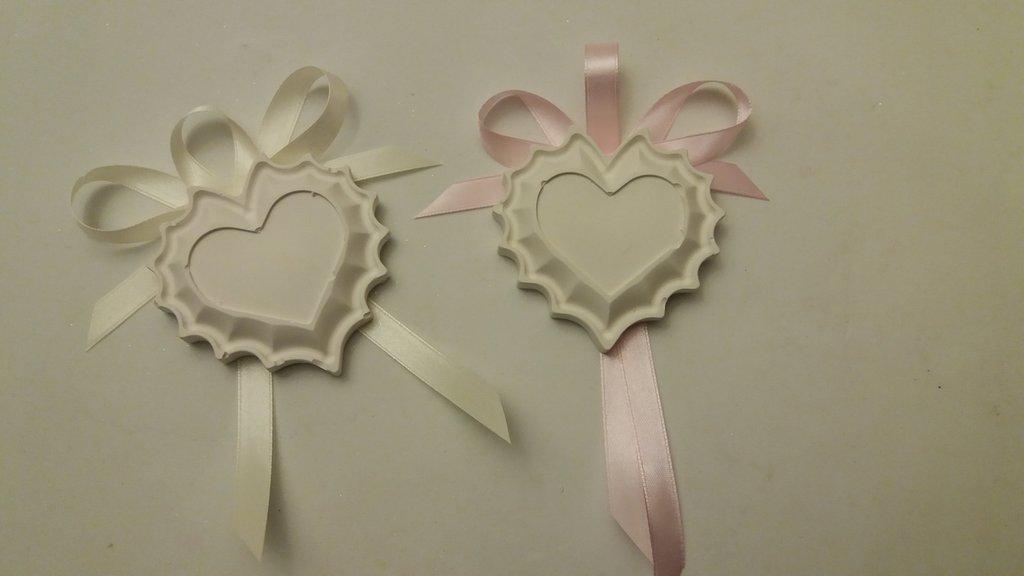 Bomboniera segnaposto cuore con ricamo gesso ceramico