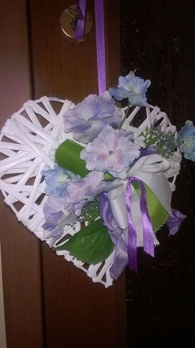 Cuore fiorito colorato