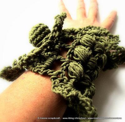 """Bracciale """"military chic"""" - realizzato a crochet in puro cotone - SPESE DI SPEDIZIONE GRATIS"""