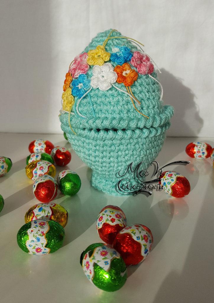 Uovo di Pasqua porta ovetti fatto a mano