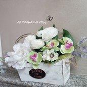 Vaso composizione fiori finti shabby