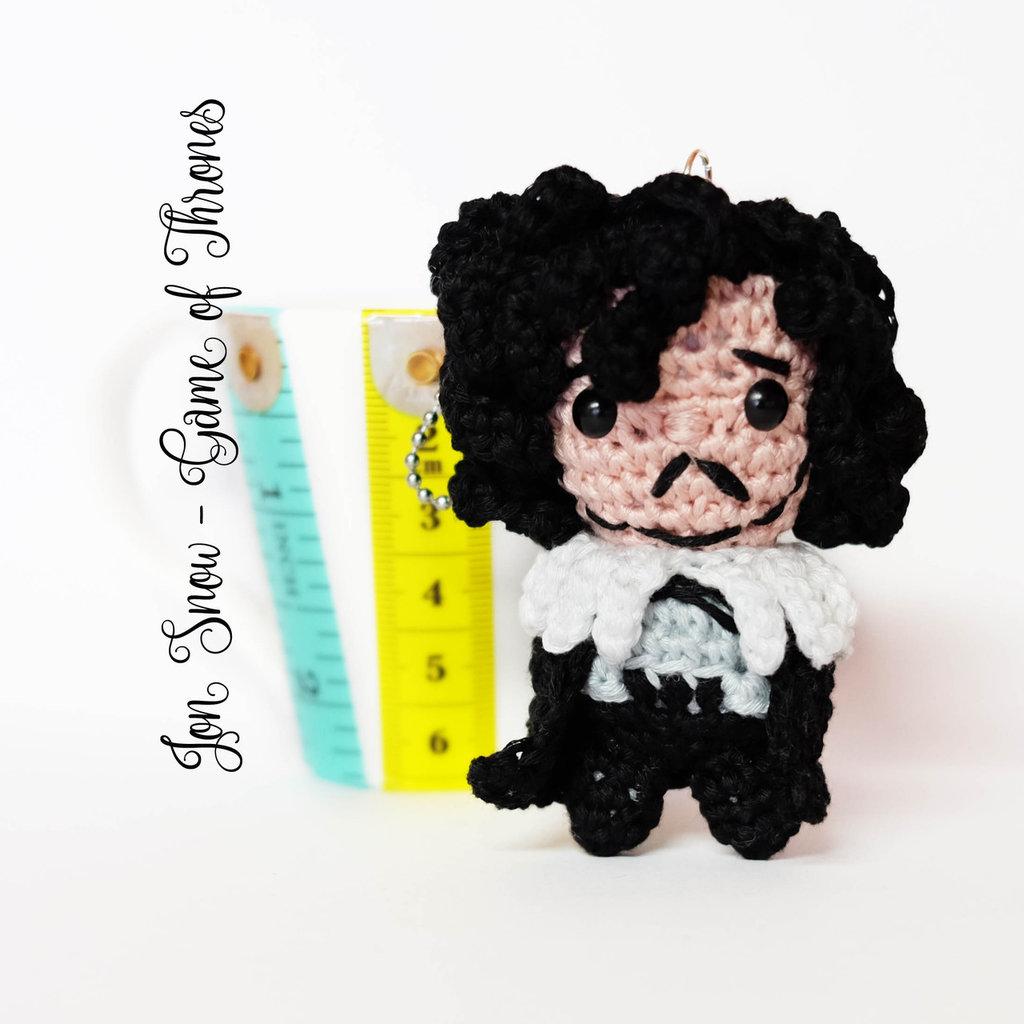 """Jon Snow amigurumi portachiavi pupazzetto uncinetto da """"il Trono di Spade"""""""