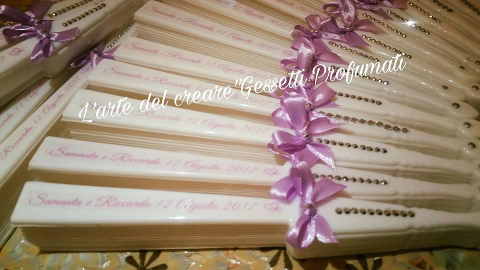 Ventagli bianchi segnaposto chiesa matrimonio plastica tessuto personalizzati nomi e data
