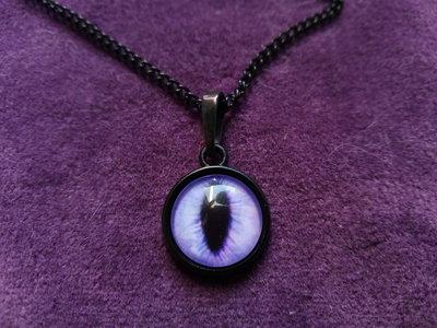 *Cabochon di occhio di gatto viola con catena*