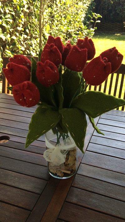 Tulipani in lana cotta