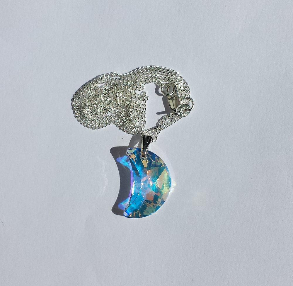 Collana pendente con cristallo Swarovski luna arcobaleno e catenina in argento
