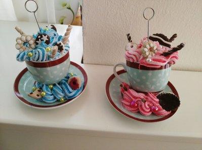 Porta foto con dolcetti di vari colori e decorazioni