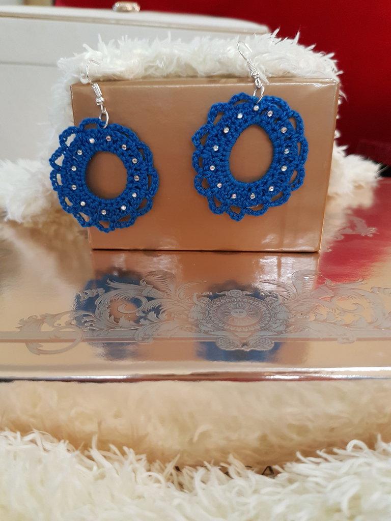 """orecchini all"""" uncinetto blu"""