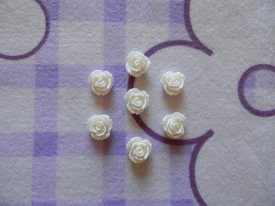 Perle a forma di Rosa bianche in lucite SIMIL CORALLO 5 pezzi 20mm circa