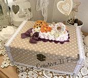 Box- portagioie a scomparti - Shabby chic con panna e biscotti: cookie, pan di stelle, donut, waffle scatola