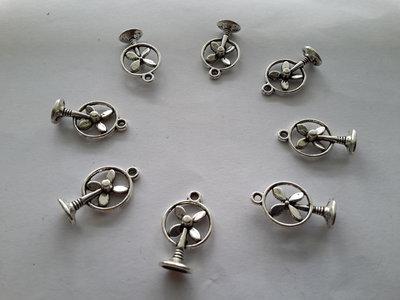 8 charms ciondoli 'Ventilatori' argento tibetano,