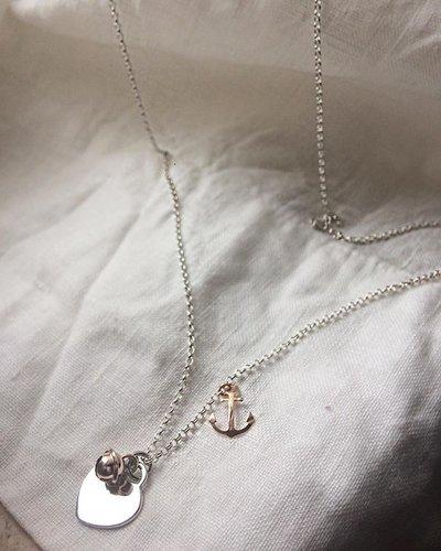 """Collana catena rolò con ciondoli """"Cuore"""" in argento 925 e """"Campanellino"""" e """"Ancora"""" in argento rosè"""