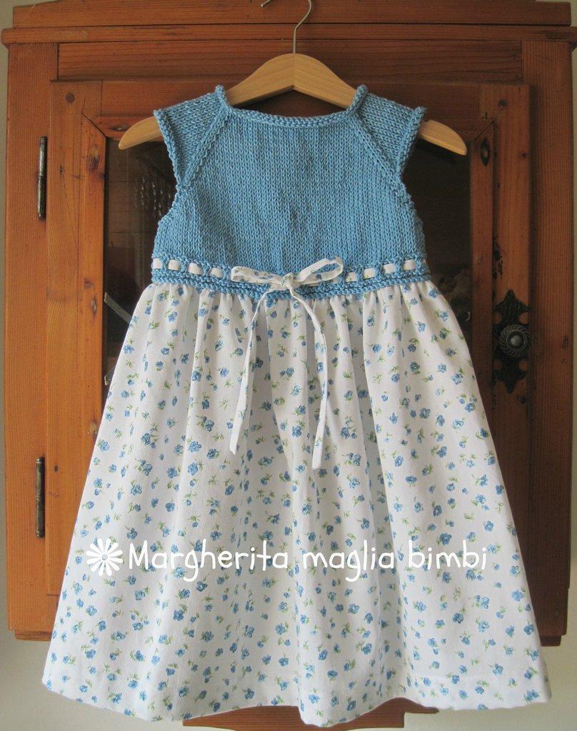 Abito/vestitino bambina azzurro cielo, gonna a fiori - puro cotone - fatto a mano