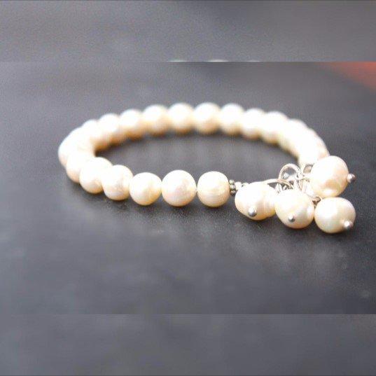 braccialetto di perle d'acqua dolce bianca