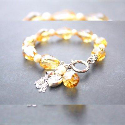 braccialetto giallo con le perle