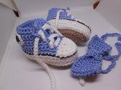 Set scarpine  bambino  sportive  in cotone celeste con papillon  , idea regalo.