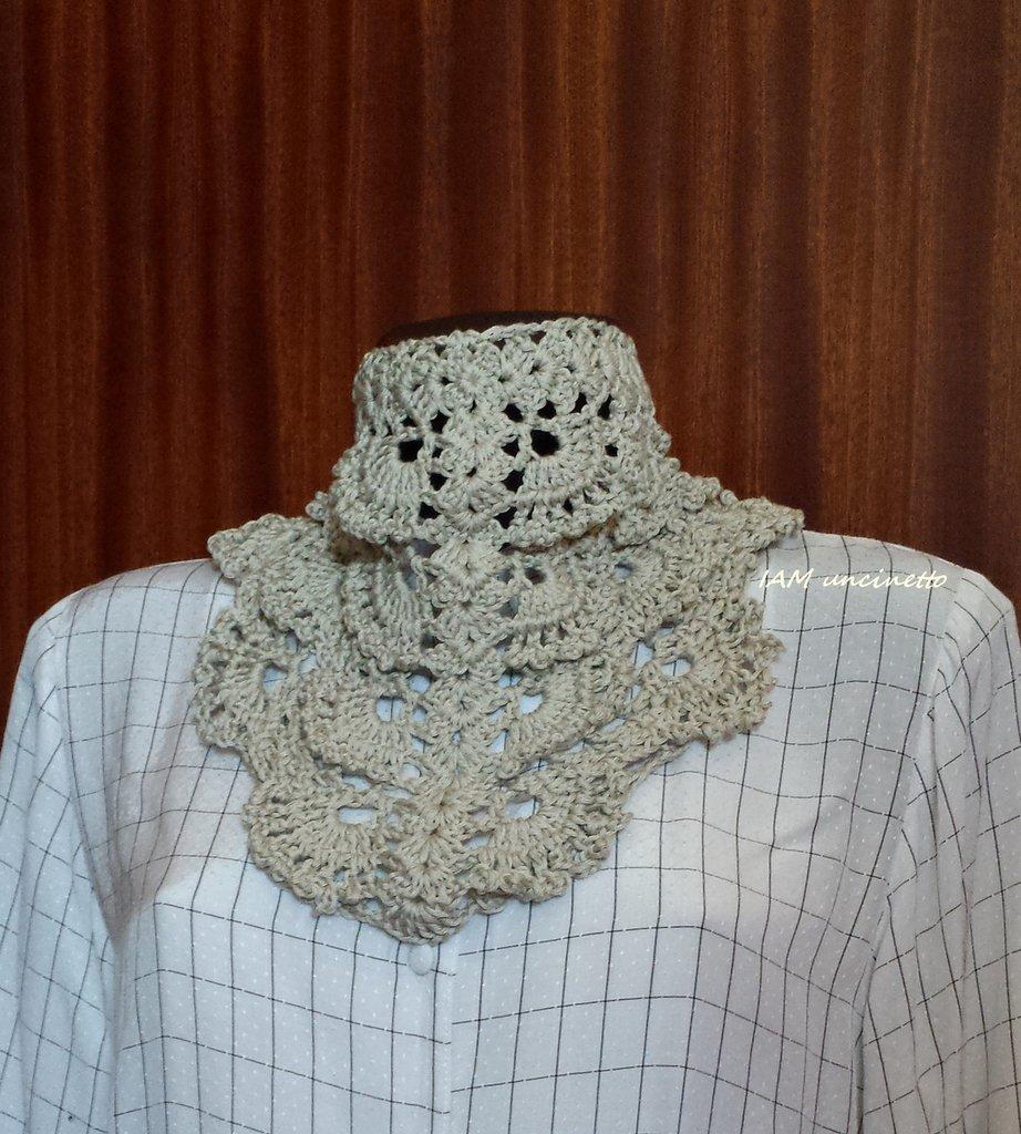 Bandana color ecru in cotone lavorato all'uncinetto