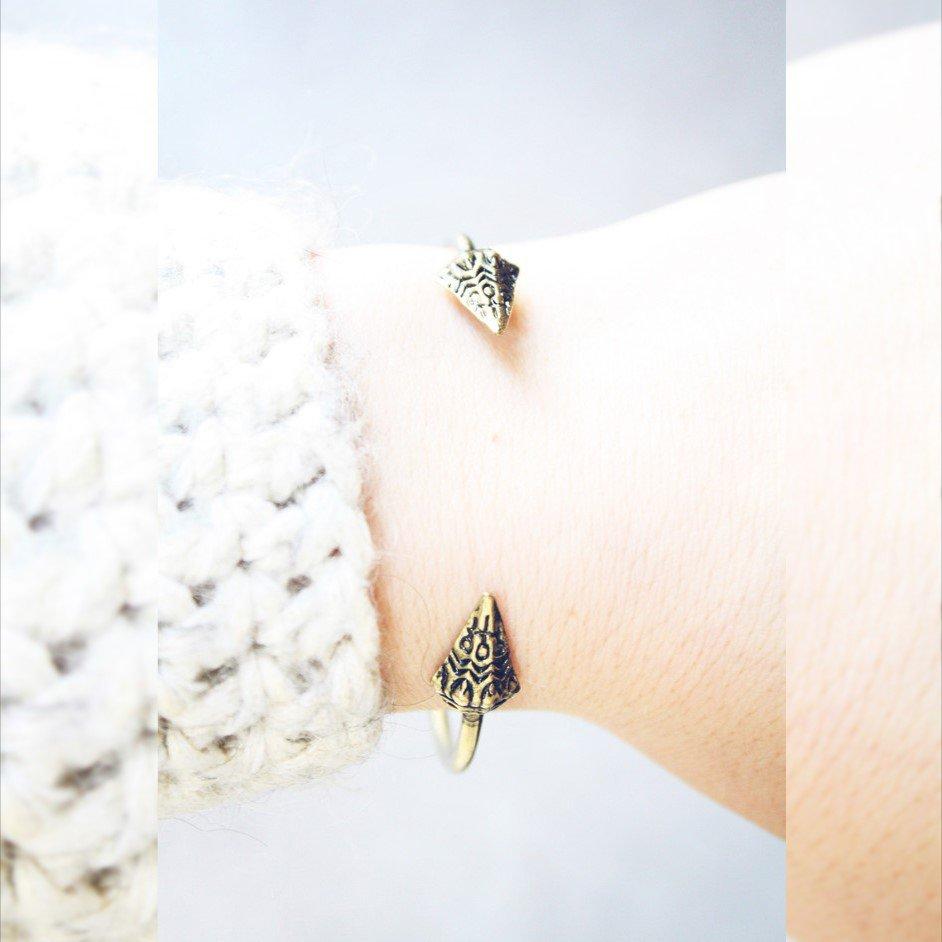 D'oro punta braccialetto, Triangolo Freccia Bracciale