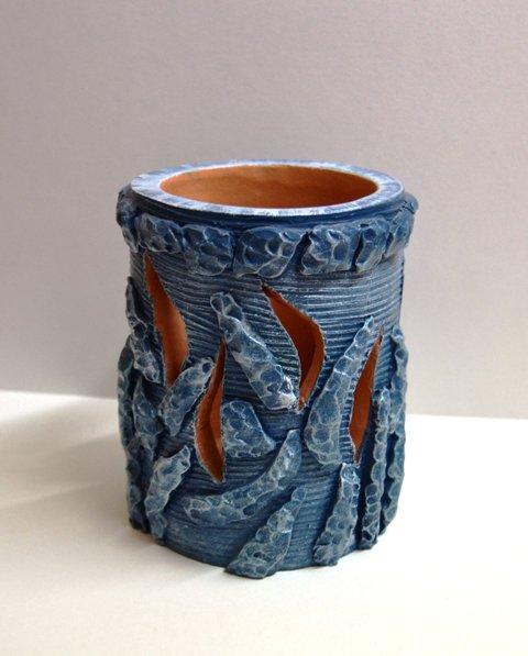 Vaso porta candela traforato azzurro. Realizzato a mano. Dim. 11 x h. 14 cm. ca.