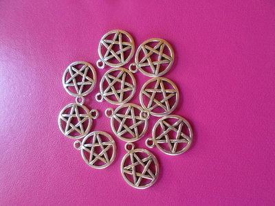 10 ciondoli a forma di cerchio con stella centrale doppio disegno