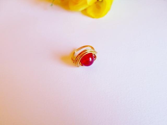 orologio ultimo design stili diversi anello in wire tono oro e perla rossa