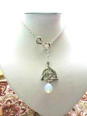 collana corta regolabile fatta a mano con triskel pietra di luna e infinito