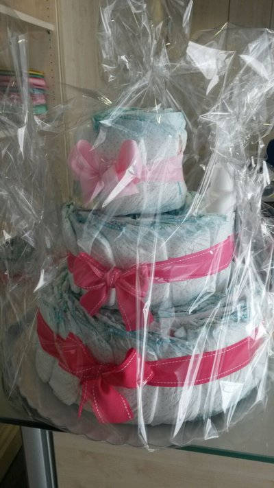 Torta pannolini tonalità rosa