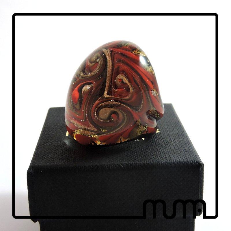 Stupendo anello fascia in vetro di Murano