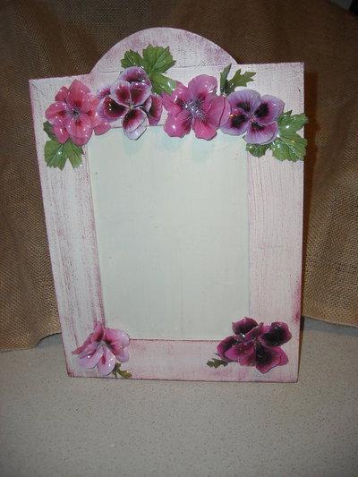 Cornice portafotografie decorazione fiori di geranio in 3d